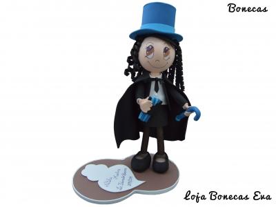 Muñeca de Eva con licencia en educación básica