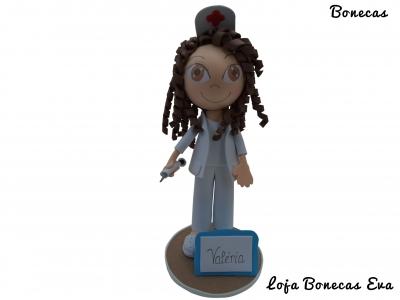Eva enfermera muñeca Valeria