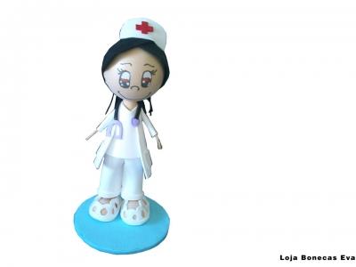 Boneca Enfermeira Morena