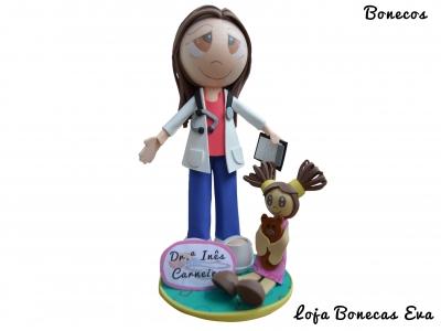 Boneca Pediatra Inês Carneiro